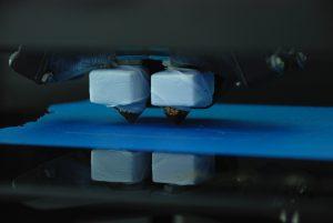 Печать на 3Д-принтере с двумя экструдерами