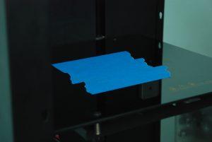 Покрытие стола принтера малярным скотчем