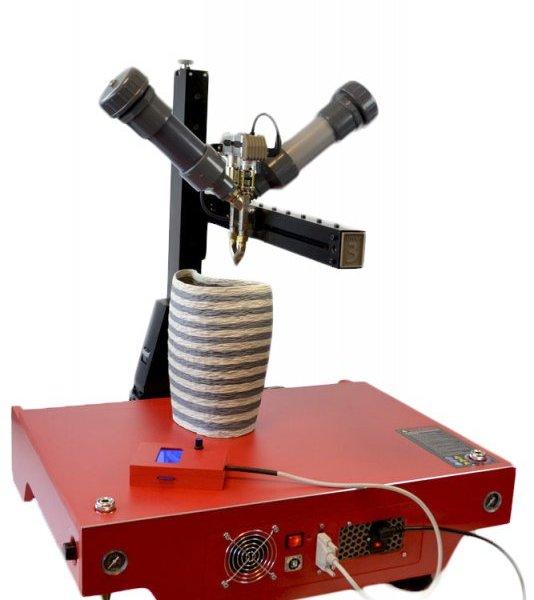 Глиняный 3D принтер LUTUM 3 в работе