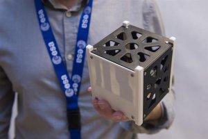 PEEK пластик и спутники на 3D принтере
