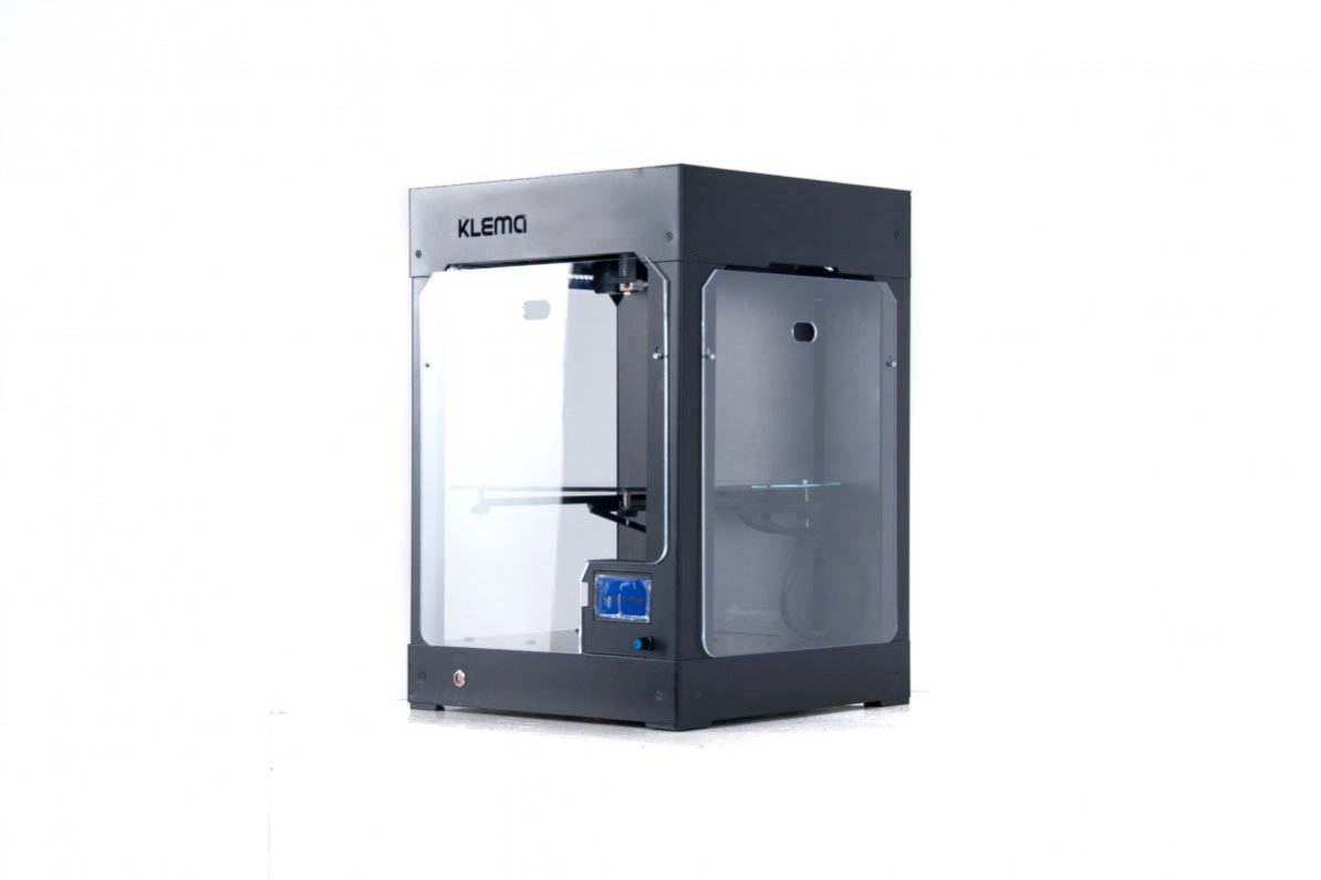 Обзор 3D принтера с закрытым корпусом