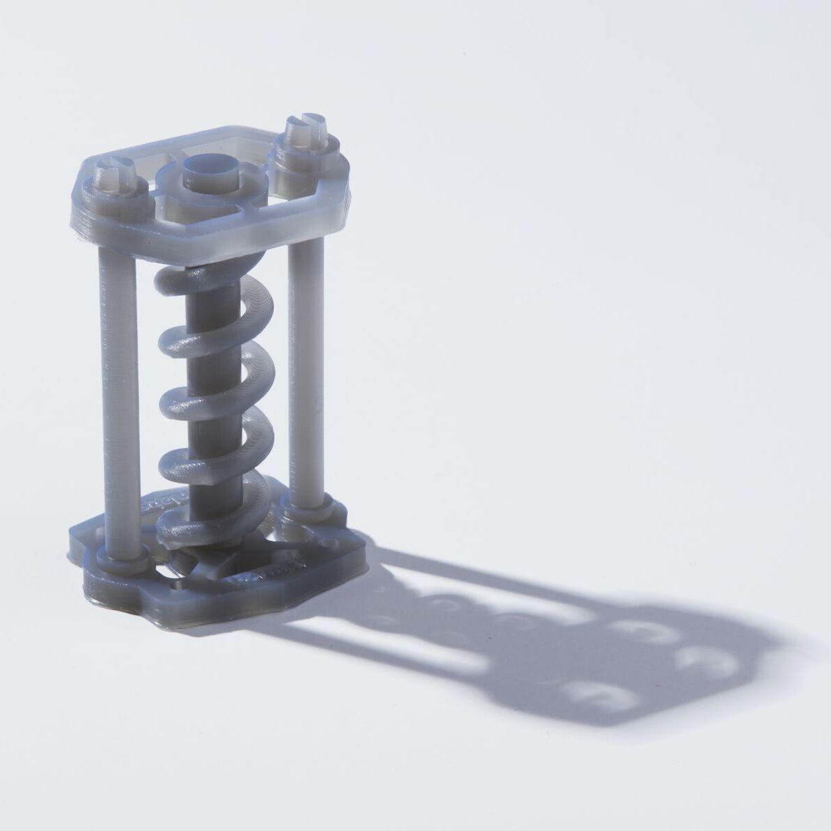 Образец детали из Tough 1500 Resin - пружина