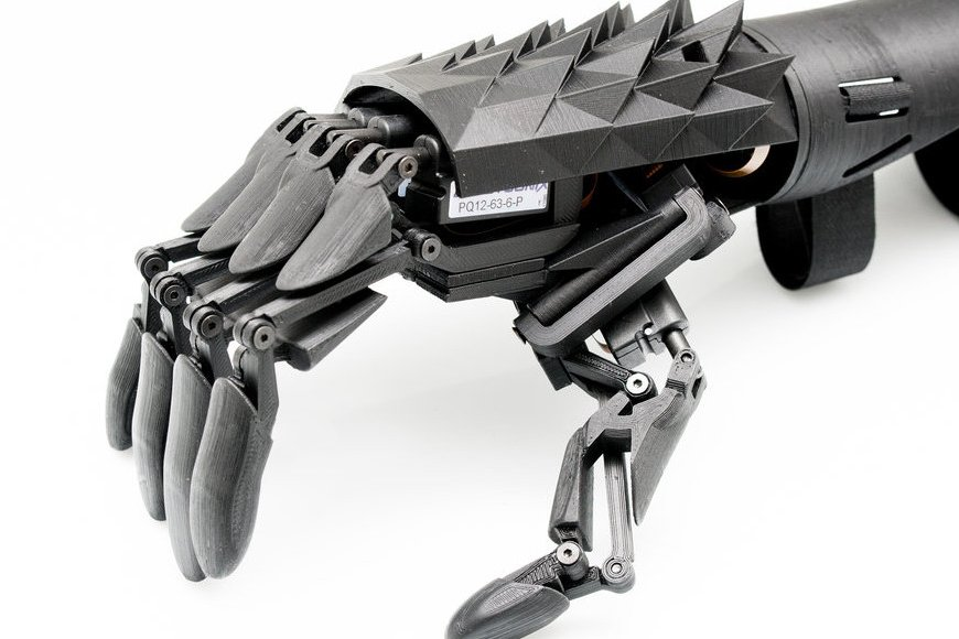 Переработанная бионическая рука от Youbionic