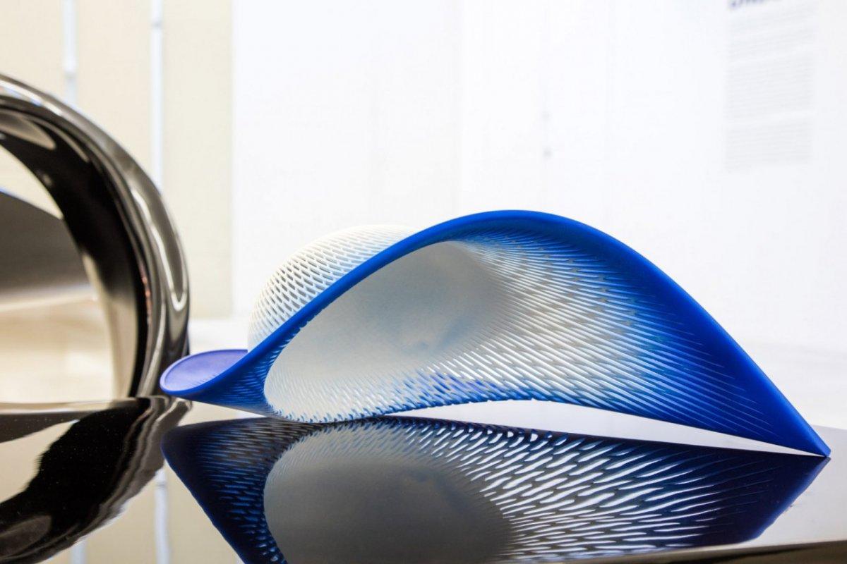 3D печатная шляпа, вдохновлённая архитектурой