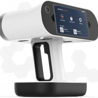 3D сканер Artec Leo дисплей