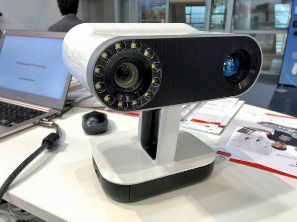 3D сканер Artec Leo