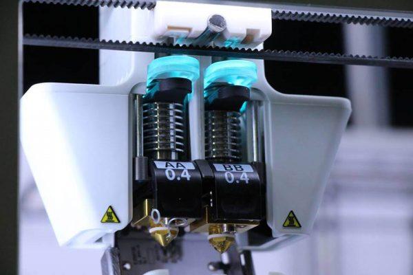 Двойной-экструдер-3D-принтера-Ultimaker-3-Extended